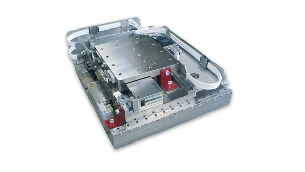 X-Y-Kreuztischsystem mit ULIM-Motoren